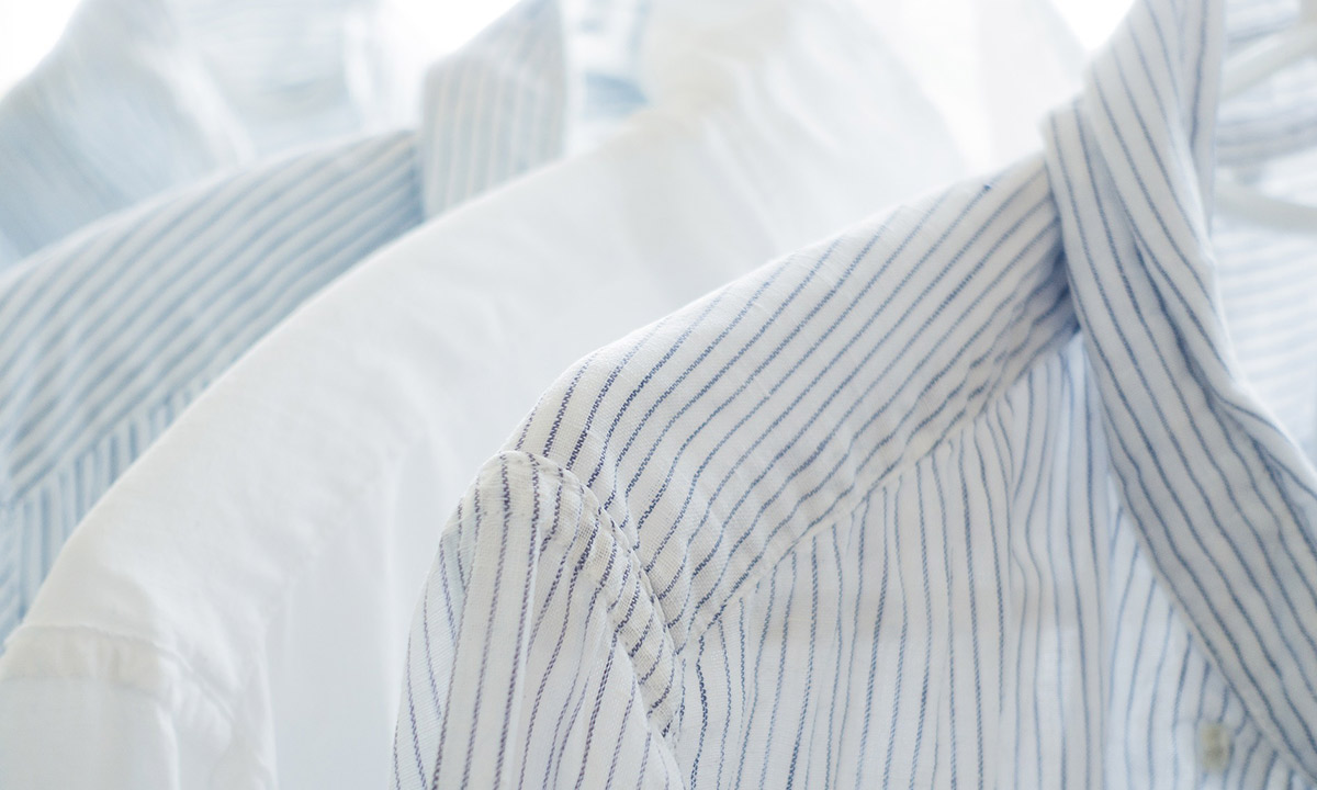 衣類に染み付いた加齢臭を重曹で落とす